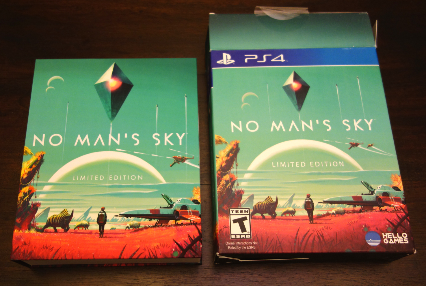 'No Man's Sky - Limited Edition PS4 box inner and outer