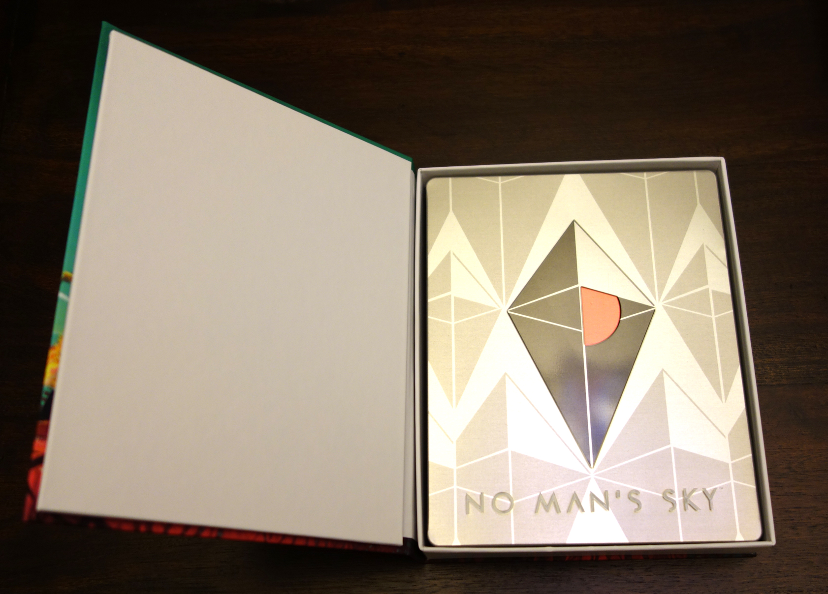 'No Man's Sky - Limited Edition PS4 box inner and steelbook